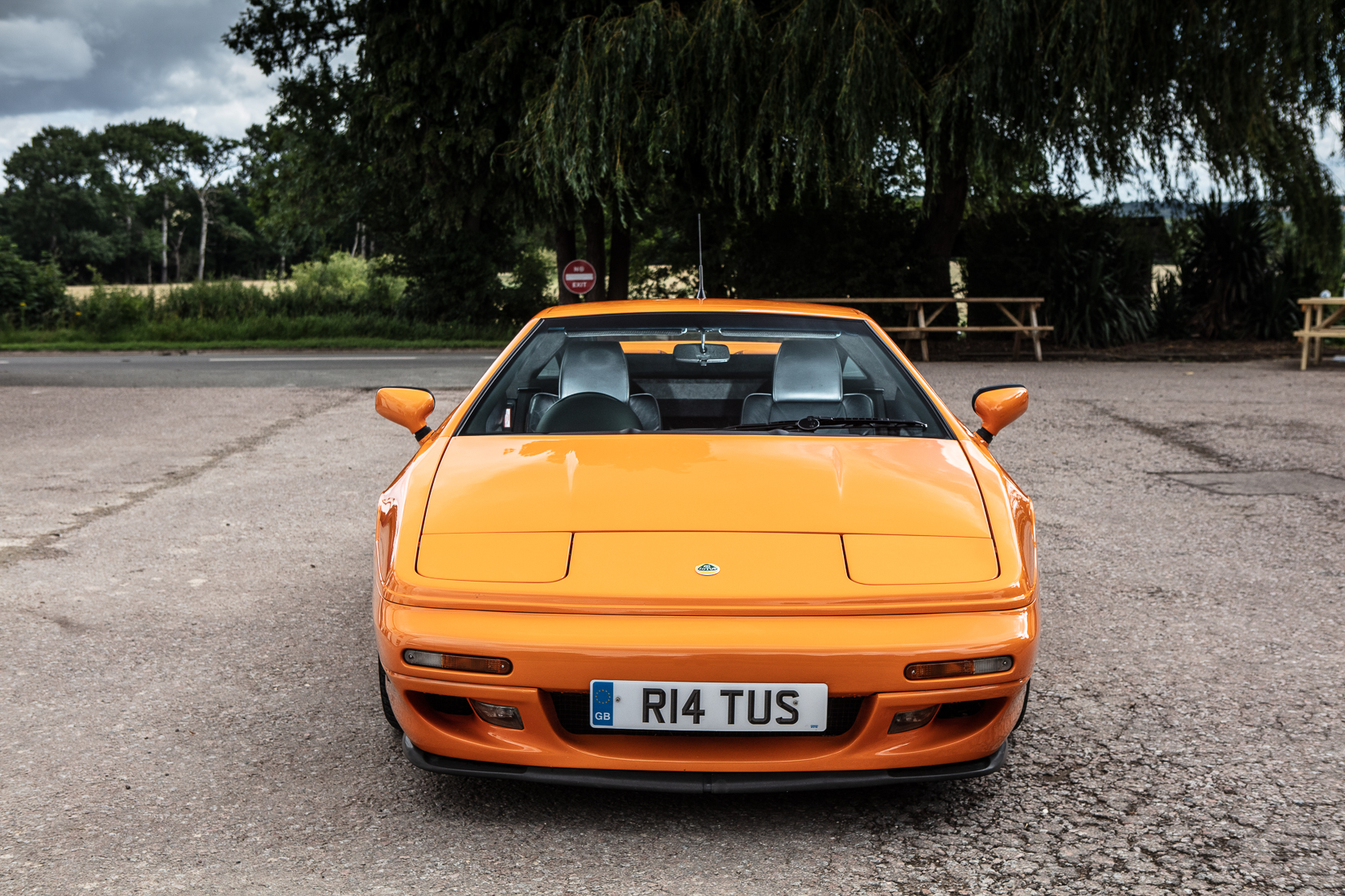 lotus esprit gt3 from the front